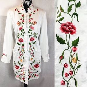 Embroidery white coat by Victor Costa sz M